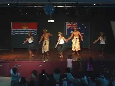 Group dancing Kiribati Aust Association 2008 2