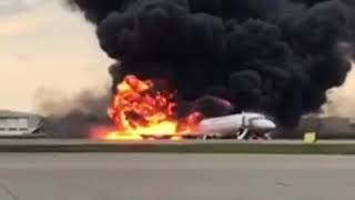Смотреть видео Самая опасная авария на Россия 😂😂😂 онлайн
