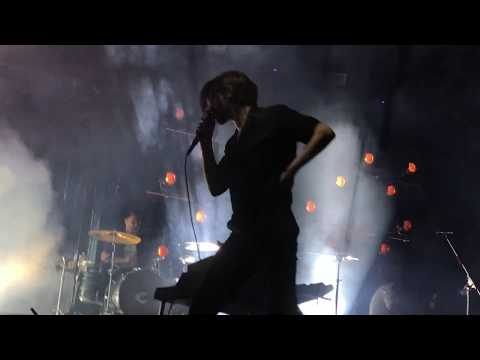 Arctic Monkeys - Pretty Visitors - Live @ The Hollywood Forever Cemetery (5-05, 2018)