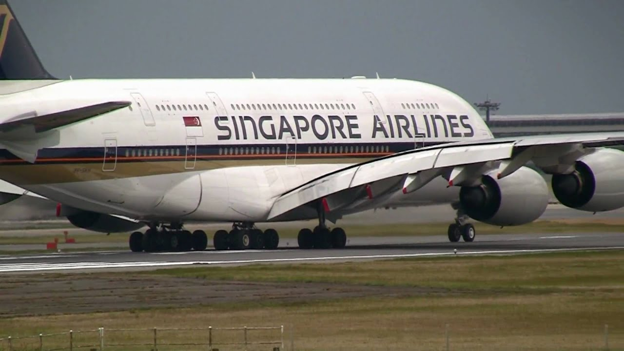 Singapore Airlines Airbus A380 Take Off At Narita R  W16r