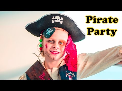 ASSISTANT PIRATE PARTY  Mickey Mouse Clubhouse Real Life Pirate Party Video