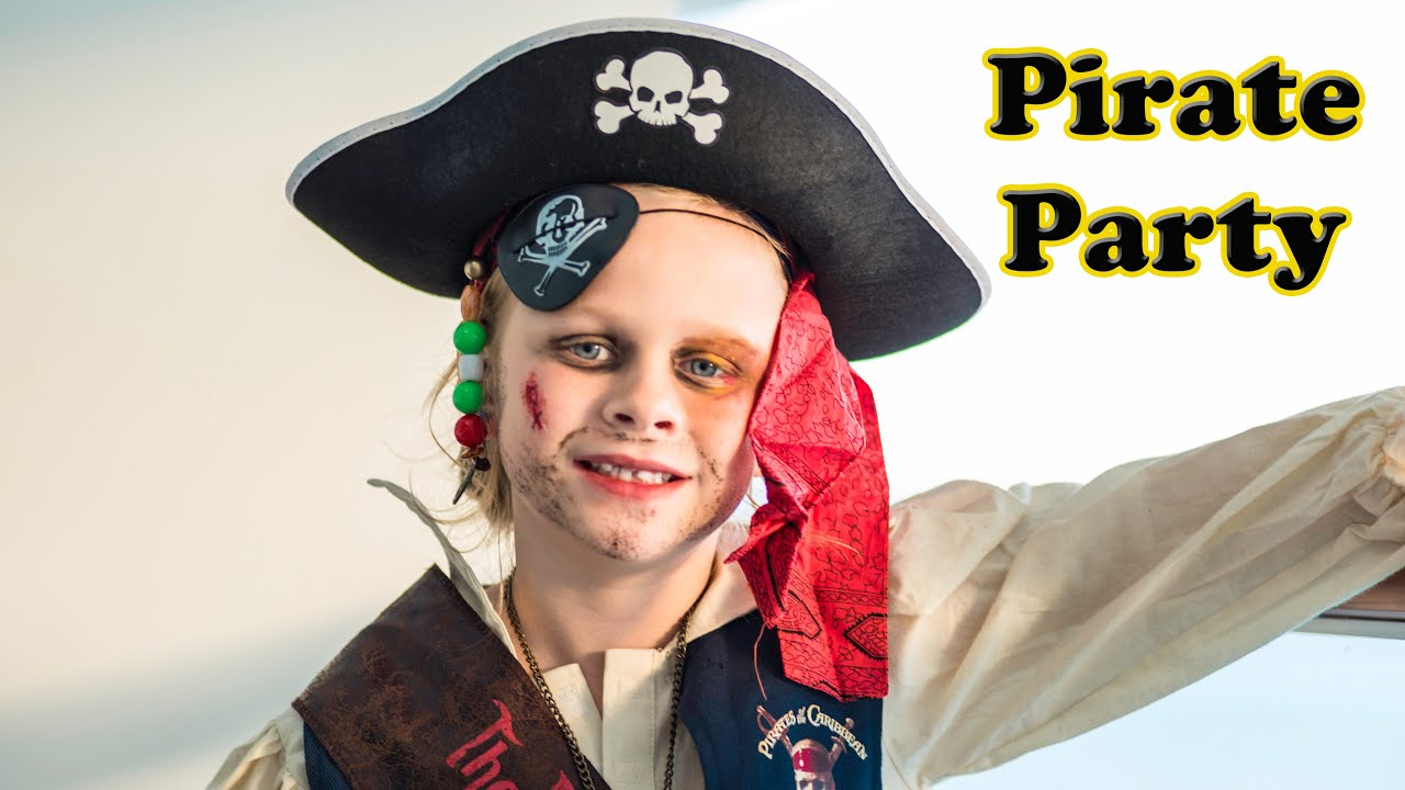 ASSISTANT PIRATE PARTY Mickey Mouse Clubhouse Real Life Pirate Party Video - YouTube  sc 1 st  YouTube & ASSISTANT PIRATE PARTY Mickey Mouse Clubhouse Real Life Pirate Party ...