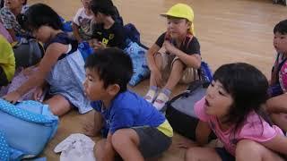 和泊幼稚園5歳クラスで「読んでみたシマノトペ」