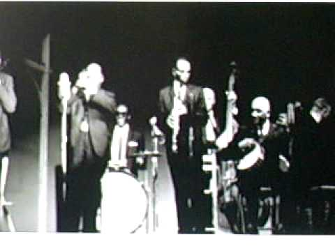 George Lewis And His New Orleans Jazz Band - I Ain't Gonna Give You None Of My Jelly Roll