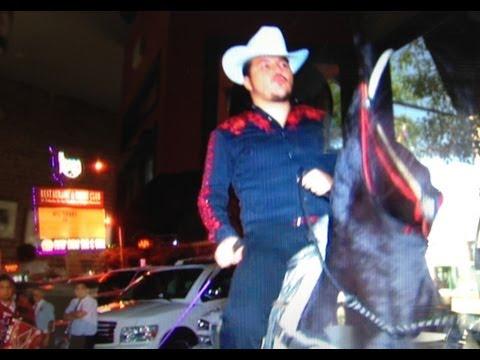 ARLEY PEREZ llega a Caballo a El Rodeo de Pico Rivera