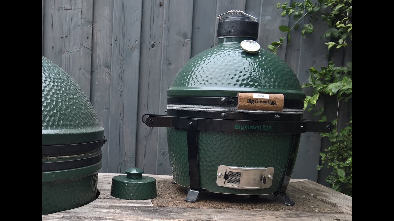 grilled chicken on the big green egg mini max themapen. Black Bedroom Furniture Sets. Home Design Ideas