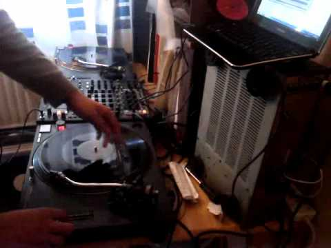 1 Hour UK Garage Mix - For The Girls 16 October 2012 (High Quality Audio)