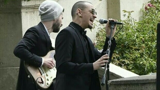 Chester & Brad performed 'Hallelujah' at Chris Cornell's funeral.