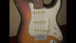 Papercraft electric guitar