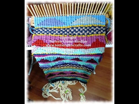 Peg Loom Weaving How to Advance the Weft