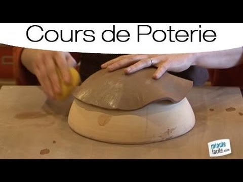 cours de poterie technique d39estampage youtube With faire de la poterie a la maison