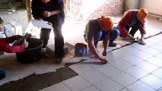 Укладка плитки звеном со скоростью 45 м2 в час(Вот так мы работаем. Наш сайт www.man-bud.com.ua., 2012-08-05T11:27:07.000Z)