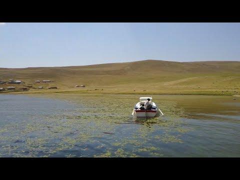 Türkiye'nin en yüksek gölü ziyaretçilerini bekliyor