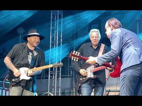 Surprising Guitar Duel!!~Joe Bonamassa, Tommy Emmanuel & Josh Smith