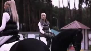 Клип с лошадьми  под песню падали но поднимались.