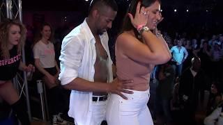 Twerking Dance di Ragazze Cubane al Caraibe