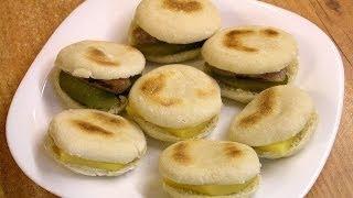 Марокканские лепёшки / Homemade Batbouts(Приготовление марокканского хлеба - батбутов, видео рецепт, http://www.e-zepter.ru/ Продукты: - 350-400 г пшеничной муки,..., 2014-04-06T06:14:40.000Z)