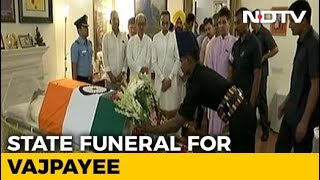 People pay final tribute to Atal Bihari Vajpayee thumbnail