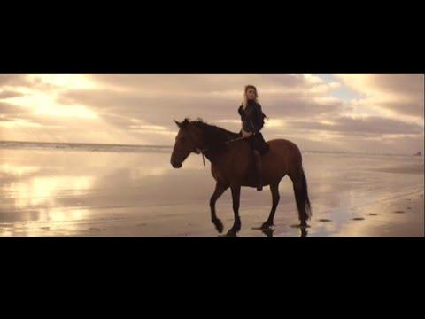 Ana Schurmann - Tell Me scaricare suoneria