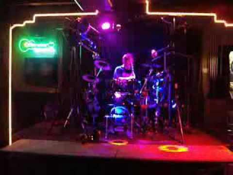 The Drummer DJ - Live!