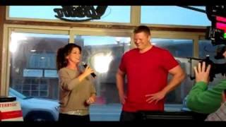 Shania Twain suprises karaoke singer!