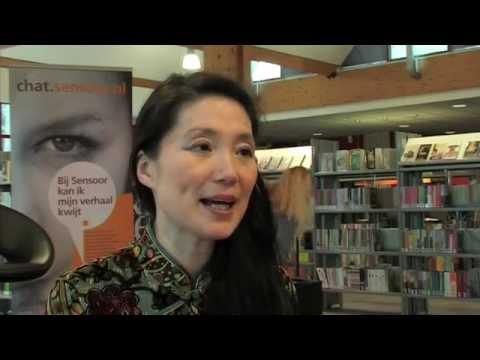 Lulu Wang in de bibliotheek