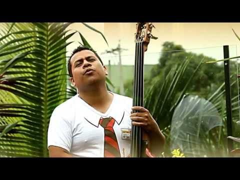 LLORA POR AMOR  Los Hermanos Medina CIUDAD BLANCA FILMS Video oficial