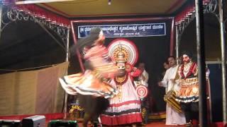 Yakshagana Punduvesha Chandrashekar Dharmasthala Naveena