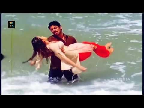 MALLU ACTRESS BHAVANA HOT VIDEOS thumbnail