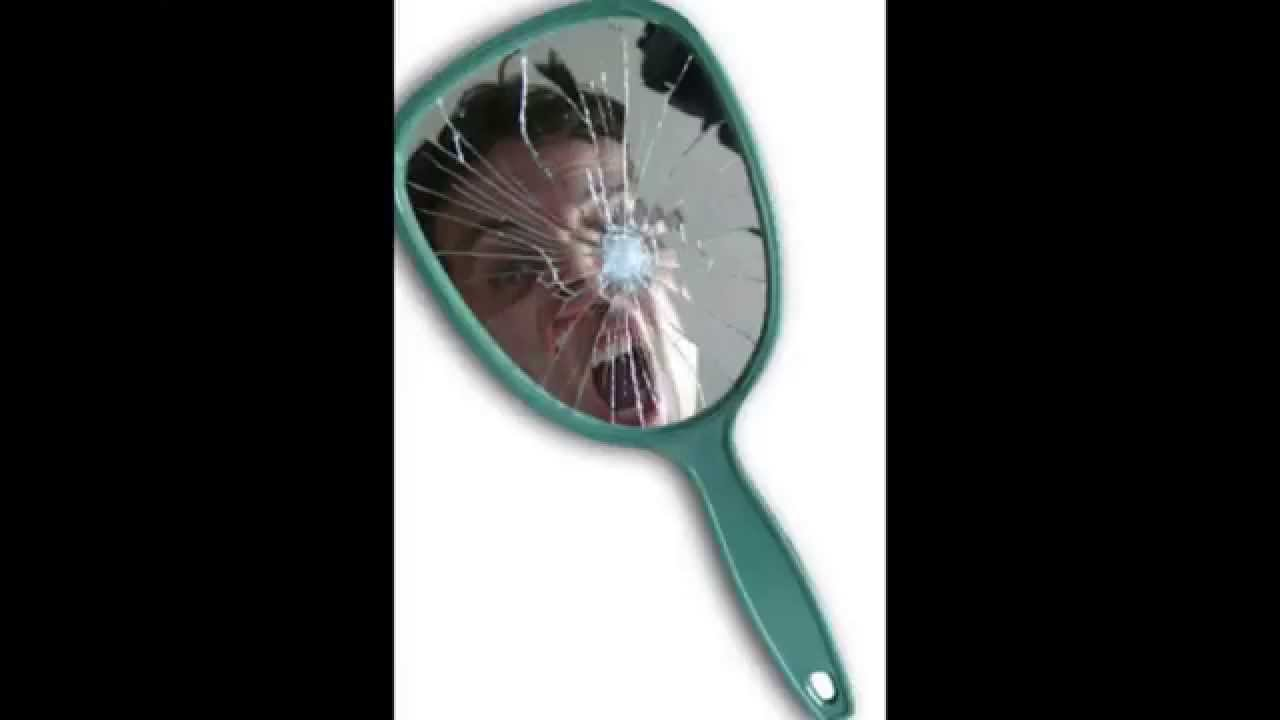 Superticion o realidad romper un espejo youtube - Romper un espejo ...