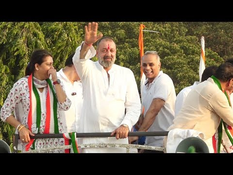 Sanjay Dutt Takes Out Huge Rally for Congress Party After Akshay Kumar SUPP0RTS PM Modi