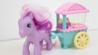 My Little Pony Selling Popcorn Cart Stand Hasbro