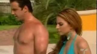 Dame Chocolate~ Bruce y Violeta en la piscina