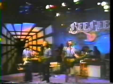 Bee Gees - Lonely Days  LIVE @ Soundstage Chicago 1975  18/19