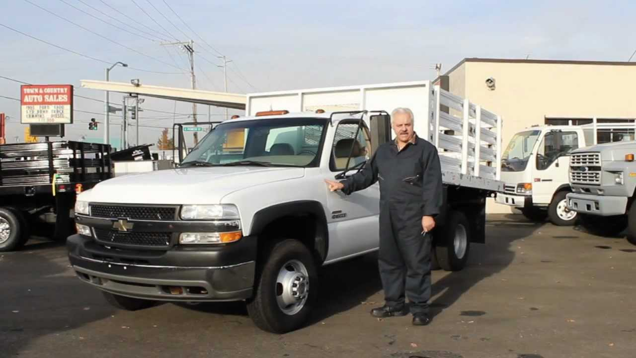 5b293cbd1a Town and Country Truck  5793  2001 Chevrolet 3500 One Ton 9 Ft. Flatbed  Dump Truck