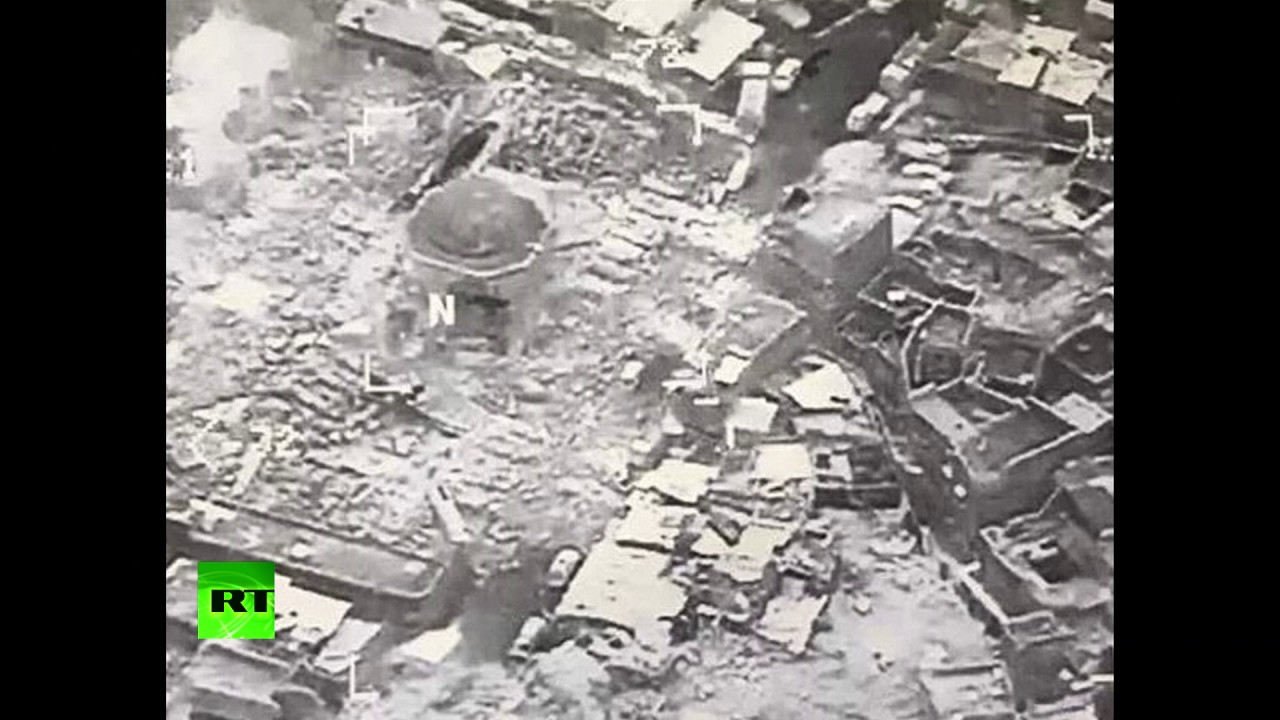 ISIS blows up landmark Grand al-Nuri mosque with leaning minaret in Mosul