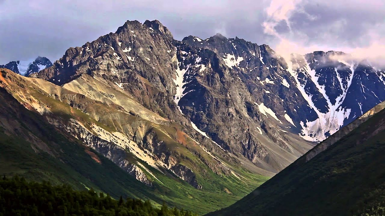 Driving Through Alaska Mountain Ranges