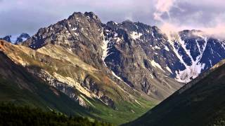 Driving through Alaska Mountain Ranges