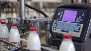 Линия розлива молока и молочных продуктов в ПЭТ бутылки (AVE Technologies)(Линия розлива молока в ПЭТ бутылку и стеклянную бутылку. http://geo-eng.ru/items/rozliv-moloka-v-pet Линия производительность..., 2014-02-20T11:17:55.000Z)