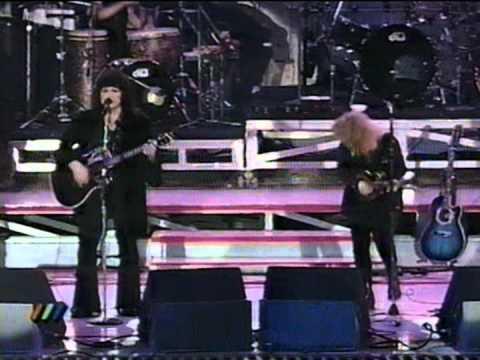 Heart - Battle of Evermore, Led Zeppelin cover (Viña del Mar, Chile1994)