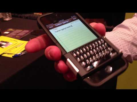 """Hands-on with the iPhone physical keyboard case """"Spike""""- MobileSyrup.com"""