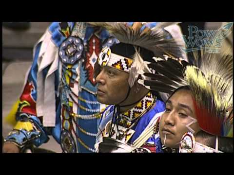 Flag Song - 2016 Gathering of Nations Pow Wow - PowWows.com