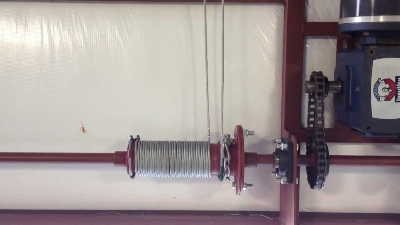 Hangar Door Locking Winch Youtube