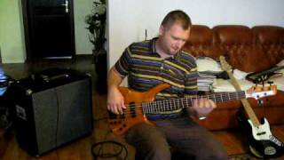 Odyssey Bass guitar Markbass F1 amp
