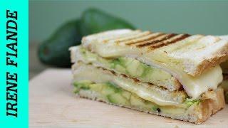 Вкусный завтрак за 10 минут. Горячий бутерброд с сыром и авокадо
