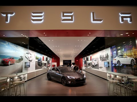 Unusually accurate earnings forecaster says stay away from Tesla right now
