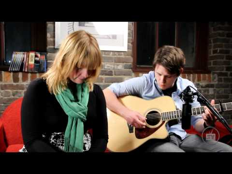 Leigh Nash - Sixpence None The Richer There She Goes - Acoustic Performance Singing Success