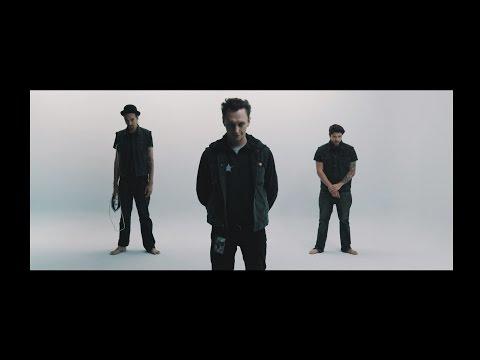 Liedfett - ishaltso feat. Schmiddlfinga (Offizielles Video)