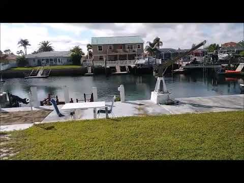 WATERFRONT HOME NEW PORT RICHEY - GULF HARBORS-Come to make an OFFER