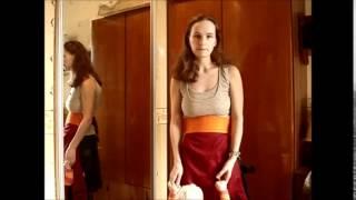Как носить слинг с верхней одеждой. FunnySling(Удобный способ сочетания слинга и верхней одежды. Особенно весной или Осенью. видео вариант 1. http://funny-sling.ru/, 2015-03-30T07:41:21.000Z)